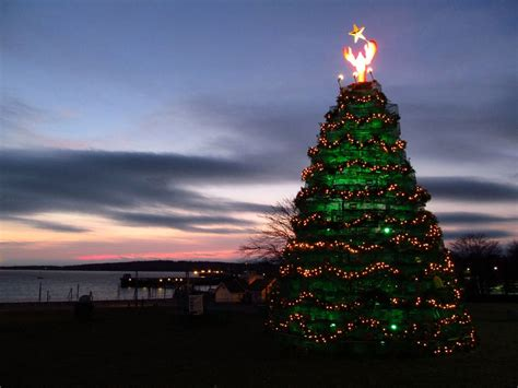 maine xmas lobster coastalpines lobster pot tree rockland maine