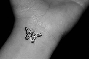 Kleiner Schmetterling Tattoo : kleiner schmetterling tattoo am handgelenk ~ Frokenaadalensverden.com Haus und Dekorationen