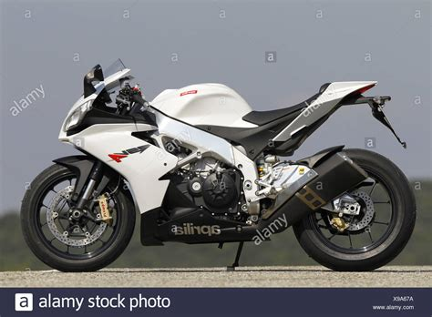 1000cc Motorcycle Stock Photos & 1000cc Motorcycle Stock