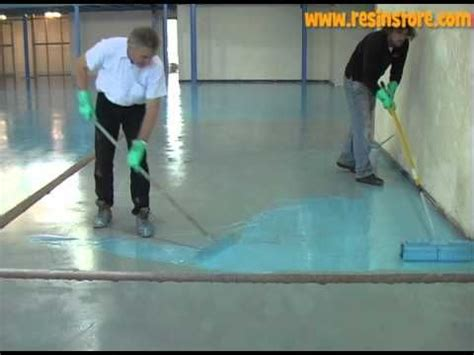 Poured Epoxy Floor Diy by Best 25 Epoxy Resin Flooring Ideas On Diy