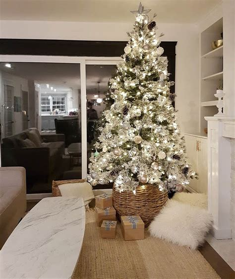 decorate  flocked christmas tree  sweetest digs