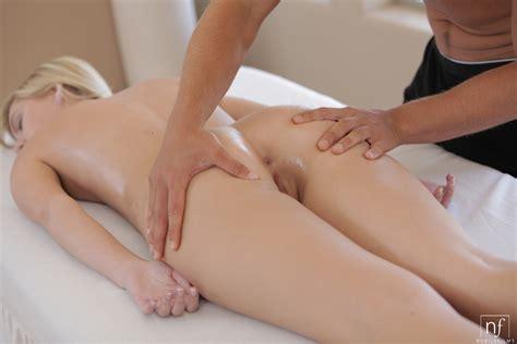 massage chloe brooke