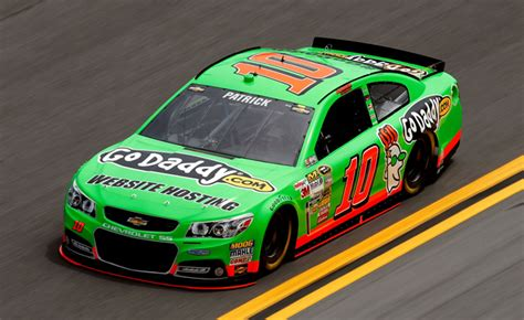 danica patrick   woman  win daytona  pole
