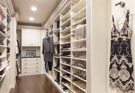Walk In Closet Accessories by 4 Must Accessories For Your Walk In Closet Closet