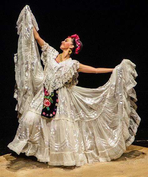 Veracruz traditional dress Mexico Vestidos tipicos de