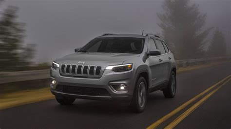 2019 Jeep Cherokee Shows Toned Down Face And Turbo Four