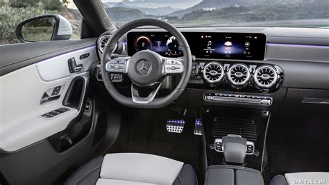 Inside, all clas sport a cabin that bristles with a higher grade of trim than in the previous car, which drew stern glances for its wide expanses of unsubtle plastic trim. 2020 Mercedes-Benz CLA Shooting Brake - Interior, Cockpit ...