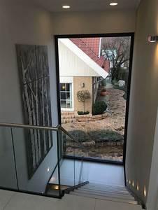 Fenster Für Treppenhaus : podesttreppe panoramafenster musterhaus haus ~ Michelbontemps.com Haus und Dekorationen