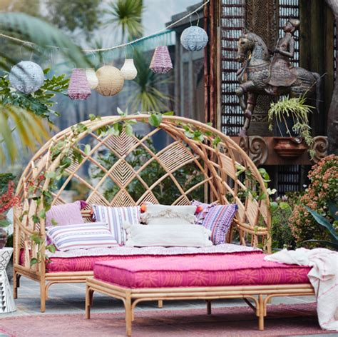anthropologies  outdoor furniture  features