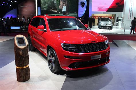 srt jeep red 2015 jeep grand cherokee srt red vapor edition debuts in paris