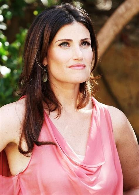 Idina Menzel Resume by Idina Menzel Performs U0027let It Go U0027 With Walker In Arms Kristin Chenoweth Idina