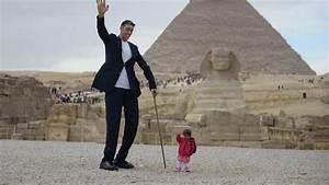 Der Größte Mensch Der Welt 2016 : gypten wenn der gr te mann auf die kleinste frau der welt trifft neon ~ Markanthonyermac.com Haus und Dekorationen