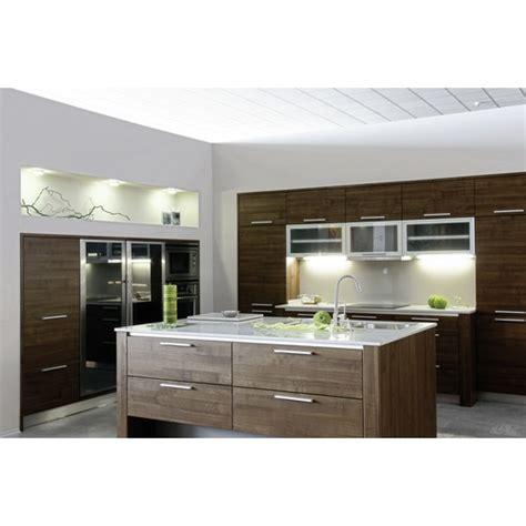 plinthe aluminium cuisine plinthe pvc et aluminium emuca bricozor