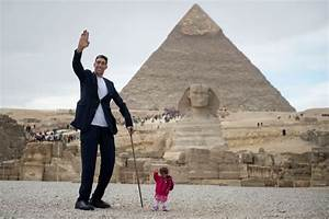 'World's smallest woman' meets 'world's tallest man' for ...