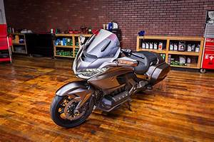 Goldwing 1800 2018 : honda gold wing revealed australian motorcycle news ~ Medecine-chirurgie-esthetiques.com Avis de Voitures