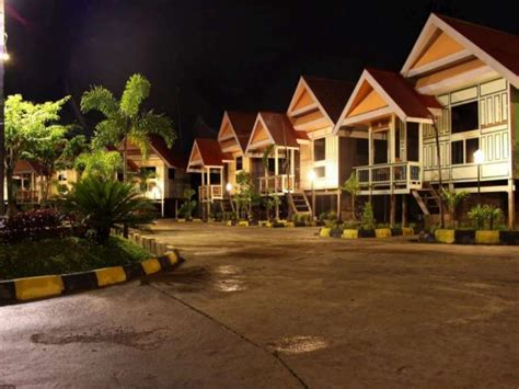 hotel cottage makassar cottage in indonesia room deals photos reviews