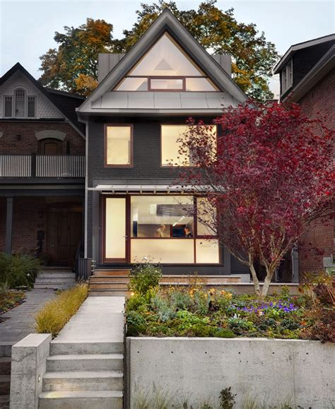 triangle shaped window   lines   roof   house contemporist