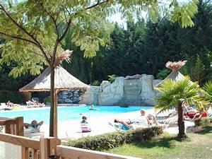 Piscine Soleil Service : piscine camping ardeche 4 toiles domaine de gil site ~ Dallasstarsshop.com Idées de Décoration