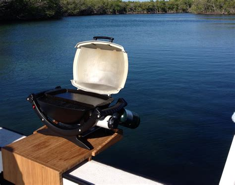 Boat Grill Used by Anyone Use This Grill On Their Boat The Hull