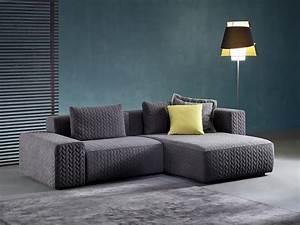 Sofa Mit Holzrahmen : sofa mit halbinsel mit elastischen gurten entsprungen idfdesign ~ Markanthonyermac.com Haus und Dekorationen