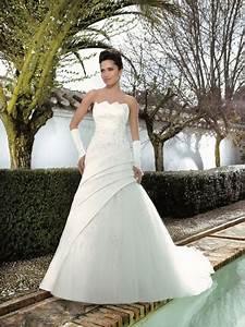 Die Schönsten Hochzeitskleider : aktuelle hochzeitskleider ~ Frokenaadalensverden.com Haus und Dekorationen