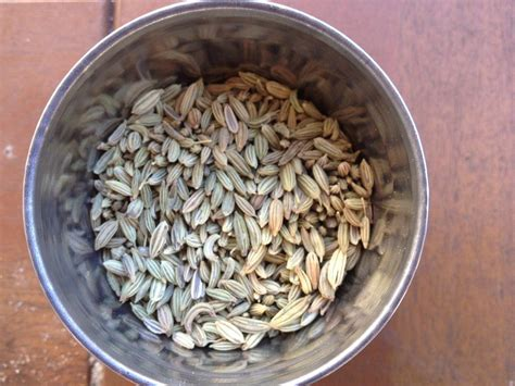 Tips To Reduce Bloating And Gas Naturally With Fennel Seeds