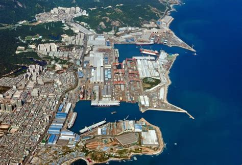 hyundai heavy industries shipyard  ulsan south korea