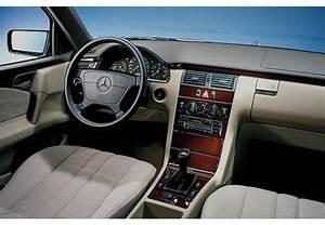 Mercedes W210 Fiche Technique : fiche technique mercedes e series e200 cdi avantgarde a 1998 ~ Medecine-chirurgie-esthetiques.com Avis de Voitures