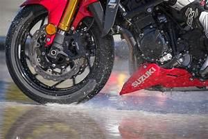 M Road Moto : pneus pluie michelin road 5 pneus moto michelin ~ Medecine-chirurgie-esthetiques.com Avis de Voitures