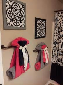bathroom towel hanging ideas way to hang towels for guest bathroom home decorating diy