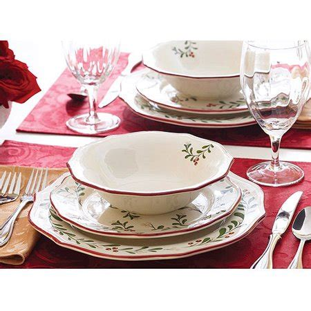 better homes and gardens dishes better homes and gardens mistletoe 12