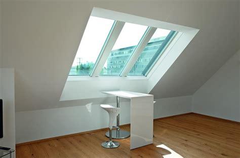 Arbeitsplatz Mit Roto Panoramadachfenster Azuro