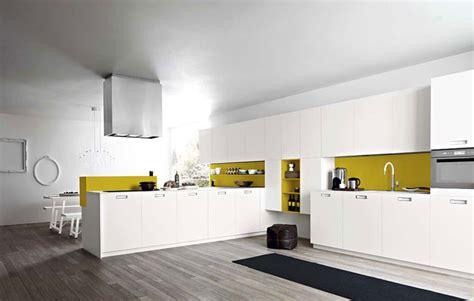 cuisine blanche et jaune quelle couleur choisir pour ma cuisine gris jaune jaune
