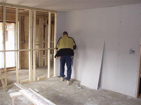 come montare il cartongesso al soffitto come montare una parete in cartongesso pareti