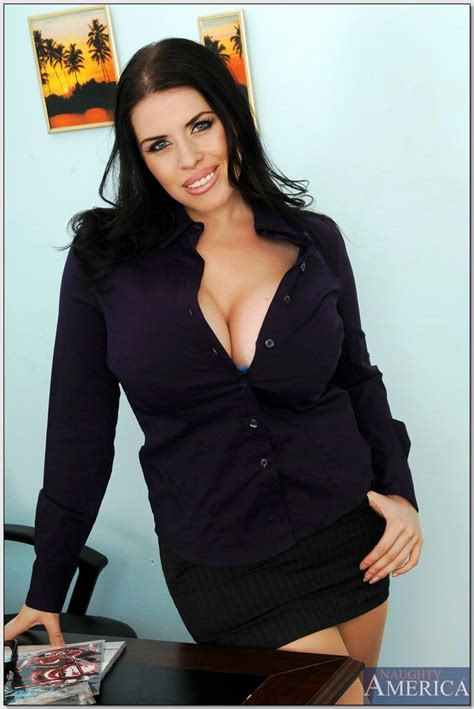 Pornstar Daphne Rosen