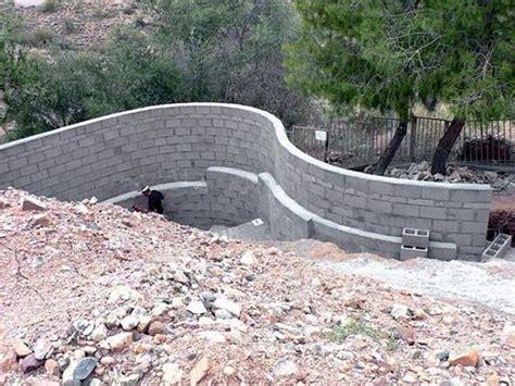 concrete retaining wall construction building concrete block retaining wall outdoor landscapes pinterest concrete block