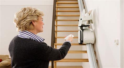fauteuil qui monte les escaliers que faire pour r 233 parer mon monte escalier 233 en panne