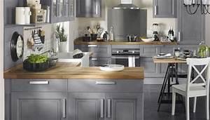 comment relooker sa cuisine sans tout changer decoration With deco cuisine avec chaise grise et bois