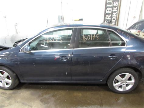Parting Out 2009 Volkswagen Jetta