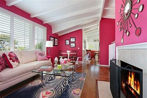 pink living room design ideas