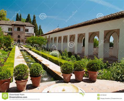 Jardin De L Alhambra Marrakech by Jardins D Alhambra Grenade Espagne Photographie Stock