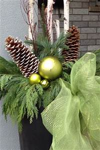 1000 ideas about Christmas Urns on Pinterest