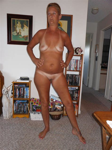 Cyber Wife Lisa Showing Off Her Sexy Tan Lines 15 Pics