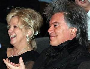 Marty Stuart Connie Smith Offer QuotLove Giftsquot To Hall Of