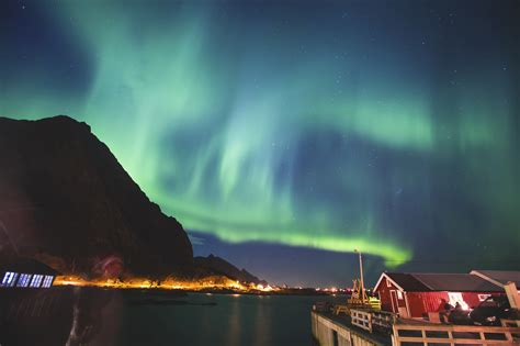 trips to see the northern lights the 5 best destinations to see the northern lights