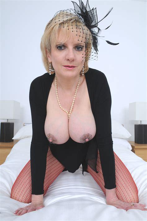 Mistress lady Sonia - PornHugo.Com