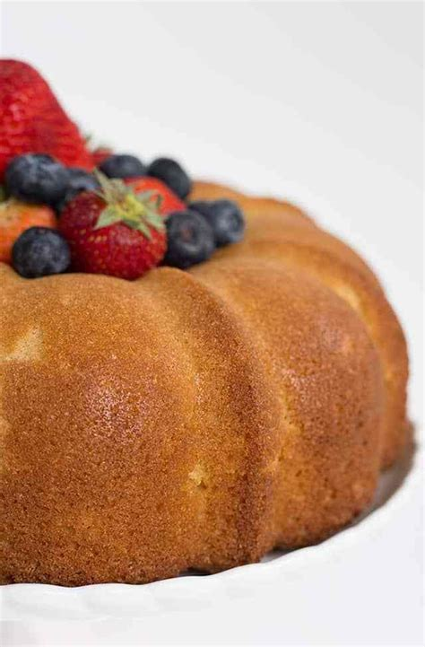 Today i am making cake for all those people out there who are diabetic but wanna eat cake so heres the recipe to diabetic. Vanilla Pound Cake Recipe - This buttery, vanilla pound ...