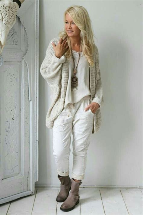 Fashionable over 50 fall outfits ideas 55 - Fashion Best