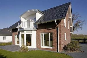 Haus Neubau Steuerlich Absetzen : haus mit balkon haus lichthaus mit grossem balkon hausanbieter dominic haus mit ~ Eleganceandgraceweddings.com Haus und Dekorationen