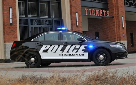 Ford Police Cars Set Fastest Lap, Accel Times In Michigan
